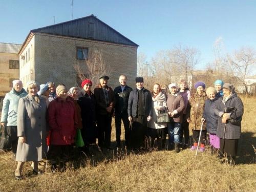 Строим храм вместе. Собирают средства на возведение стен храма в поселке Новый Урал