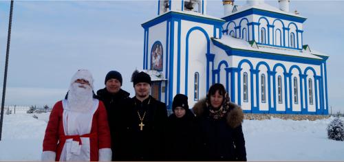 Делиться радостью. Готовиться к светлому празднику в храме Рождества Пресвятой Богородицы села Варна помогают благотворители