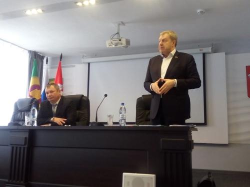 Ни электрички, ни автобуса. Решит ли депутат Госдумы наболевшие вопросы варненских педагогов?