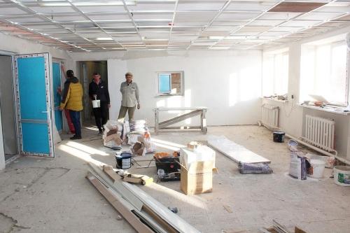 Варненская районная больница преображается. Запланированный ремонт идёт в терапии