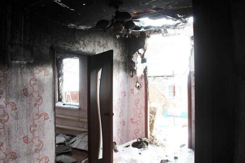 Пожар оставил без крова. Семьям из посёлка Арчаглы-Аят требуется срочная помощь земляков