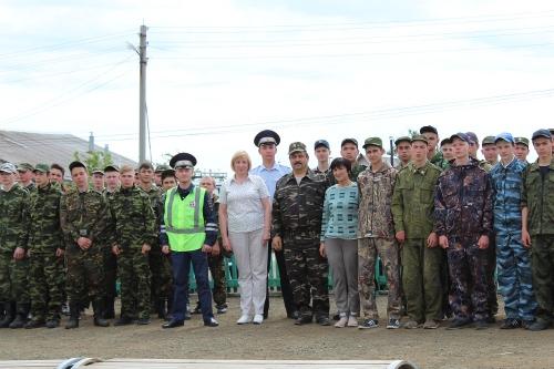 Так же, как все. В военно-полевых сборах старшеклассников Варненского и Чесменского районов приняли участие полицейские