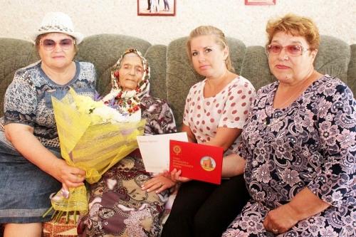 Поздравил президент. Две жительницы Варненского района на днях отметили столетие