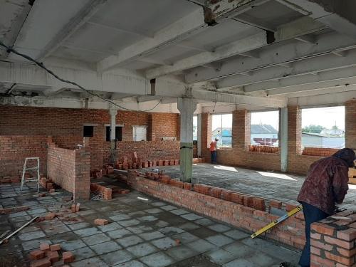 От хлеба – к зрелищам. В будущем доме культуры села Толсты полным ходом идут ремонтные работы