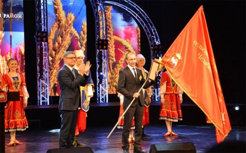 Те, кто кормят регион. Фермерское хозяйство Александра Шаповалова из Варненского района признано лучшим в области