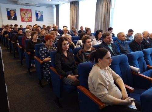 «В одной упряжке…» Варненцам было что спросить у своего депутата Госдумы