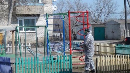 Первой обработали улицу Ленина. Санобработку от коронавируса в Варне начали с придомовой территории многоквартирных домов