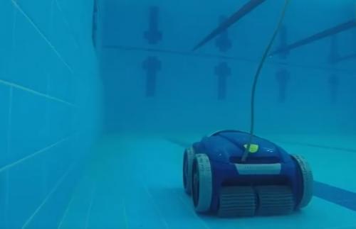 И небо отражается в… бассейне. В Варне появилась достопримечательность с подводным роботом