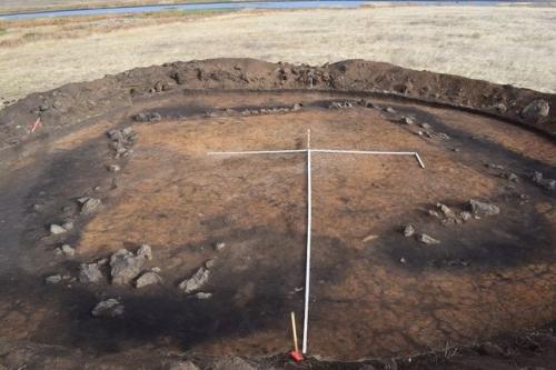Из эпохи Аркаима. Челябинские археологи нашли в Варненском районе гробницу элиты бронзового века